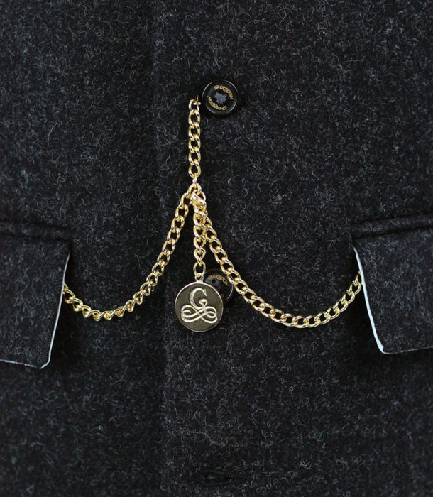 gold-chain-front-web
